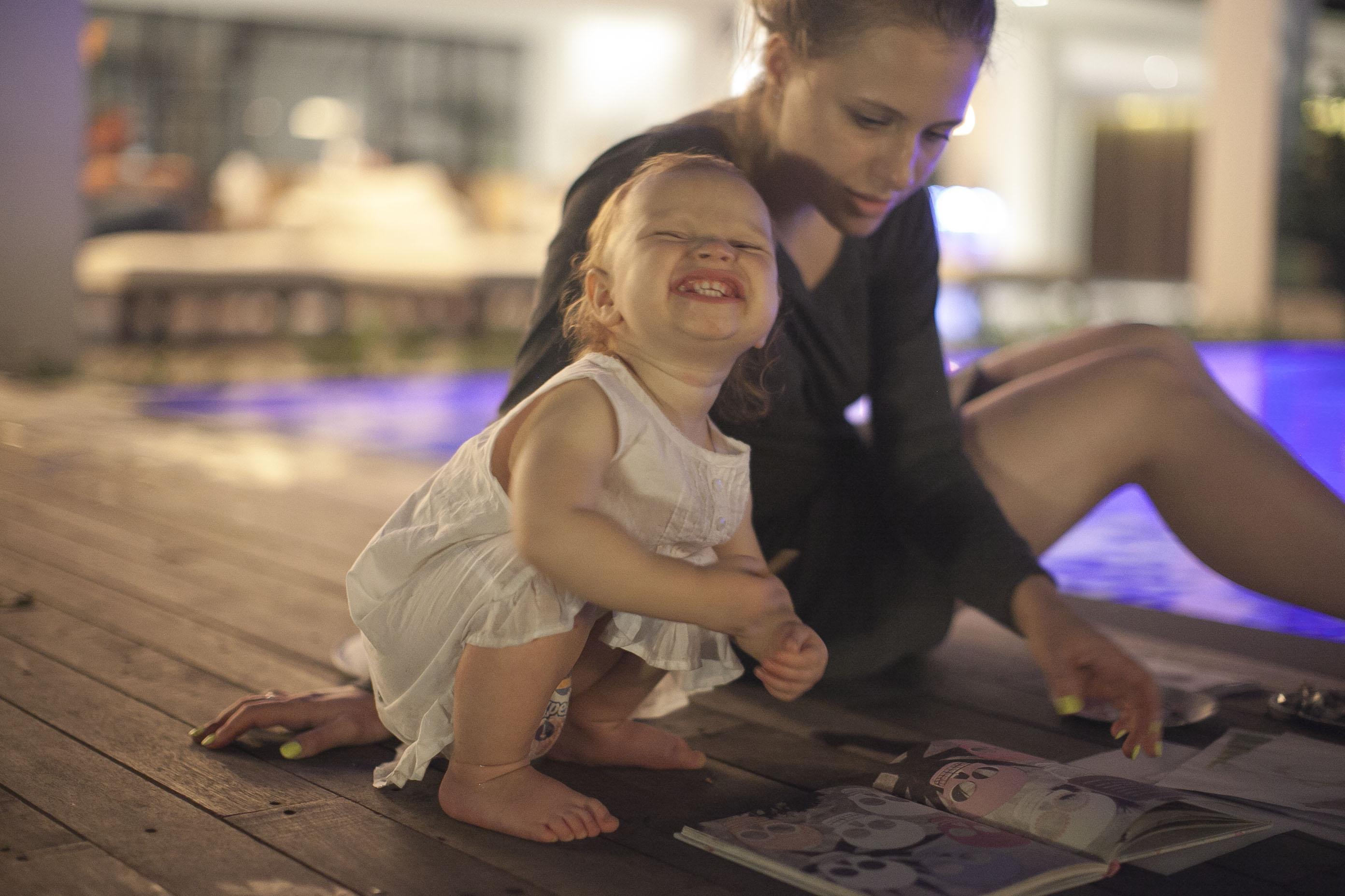 Wieczorne malowanki nad basenem
