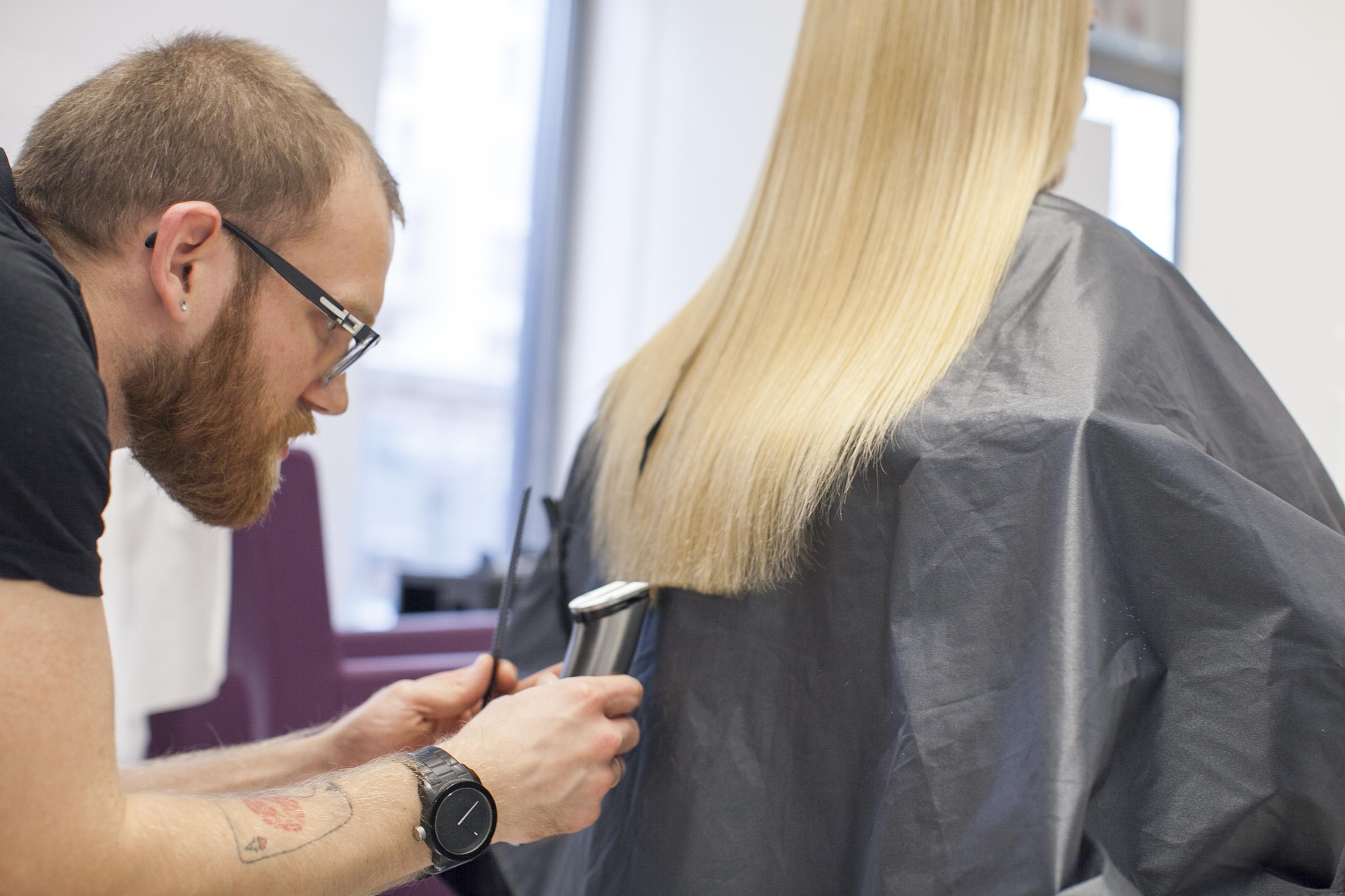 Keratynowe prostowanie włosów – moja opinia